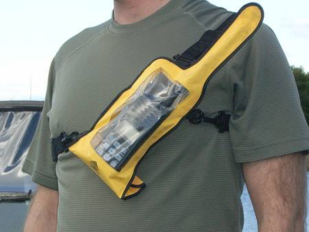 AQ VHF PRO Harness allows you to your VHF radio in comfort